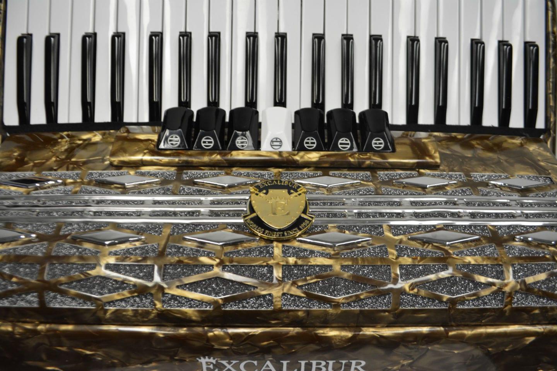 Excalibur Super Classic 120 Bass Accordion - Bronze